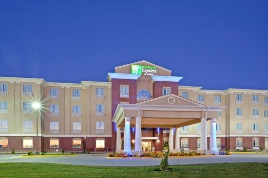 Dumas, TX: Hotel Exterior