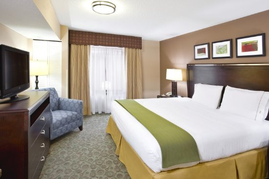 Van Wert, OH: King Suite