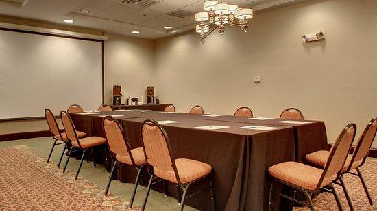Meridian, MS: Boardroom Style Meeting Space