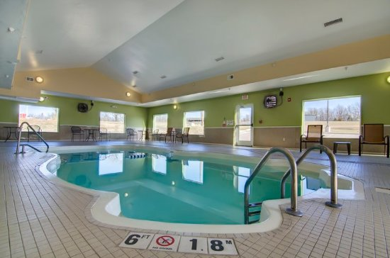 Holiday Inn Express Hotel U0026 Suites Kansas City Sports Complex: Indoor Pool