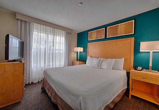 Neptune, NJ: Queen Suite Bedroom