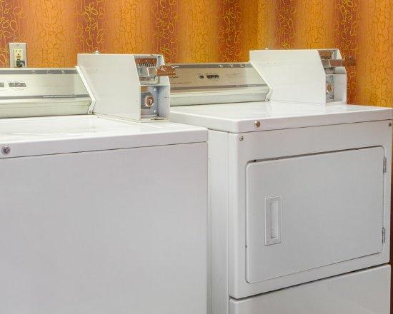 Quality Inn: Ok Laundry