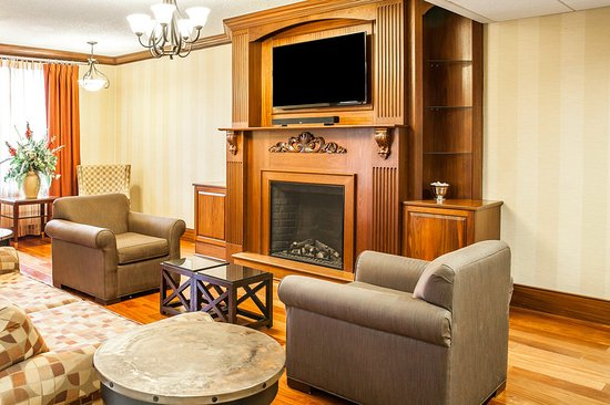 Comfort Inn & Suites Pottstown: Lobby
