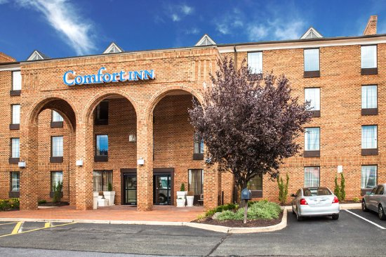 Comfort Inn & Suites Pottstown: Exterior
