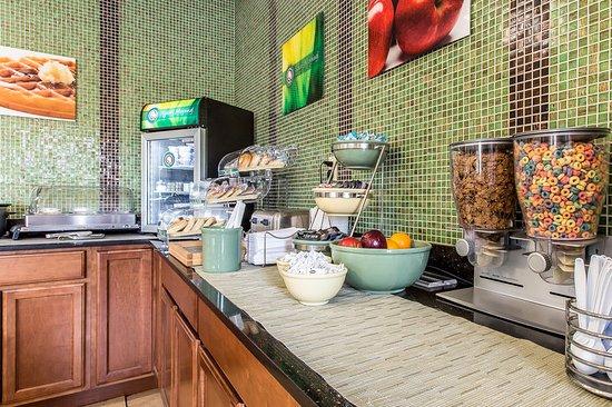 Quality Inn: Breakfast