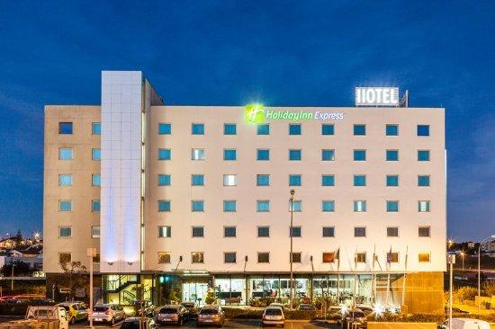 Holiday Inn Express Lisbon Oeiras: Exterior Feature