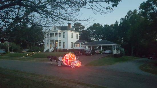 Jefferson, TX: Lone Star Carriage Company