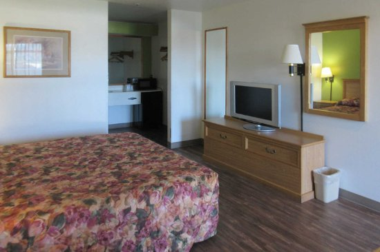 Watertown, SD: Spacious guest room