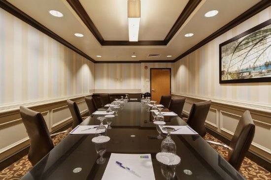 Holiday Inn Express Warwick/Providence : Boardroom