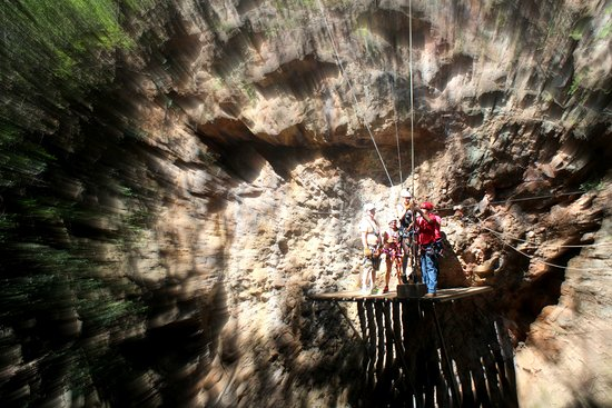 Rincon de La Vieja, Costa Rica: zip line through the canyon