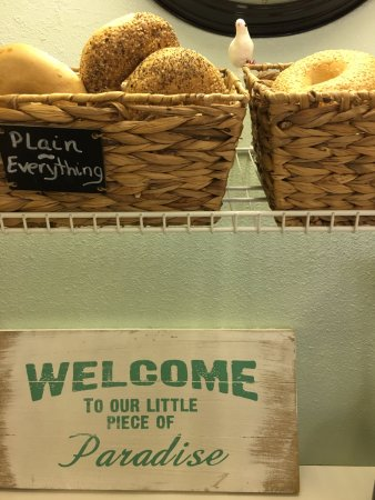 Simply Susanne's Cafe: Amazing breakfast sandwiches. And real bagels...a rarity in Florida!