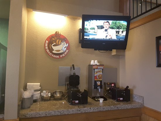 AmericInn Lodge & Suites Rexburg - BYU: Breakfast area -- wafer maker