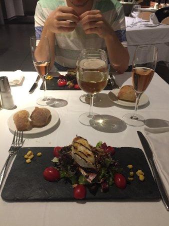 El Serrat, Andorra: 2º plato --> ensalada con queso de cabra (falta foto del 3º y del postre que no hicimos)