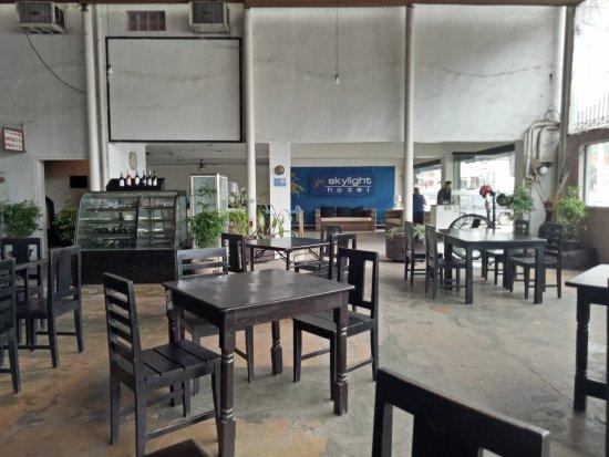 Skylight Hotel: Dining room