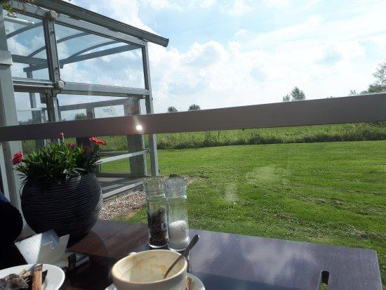 Van der Valk Hotel ARA: Uitzicht vanaf het terras