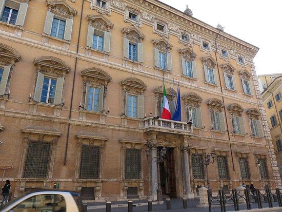 Palazzo madama sede del senato della repubblica roma for Sede senato italiano