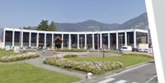 Pisogne, Italie : Centro Commerciale Italmark