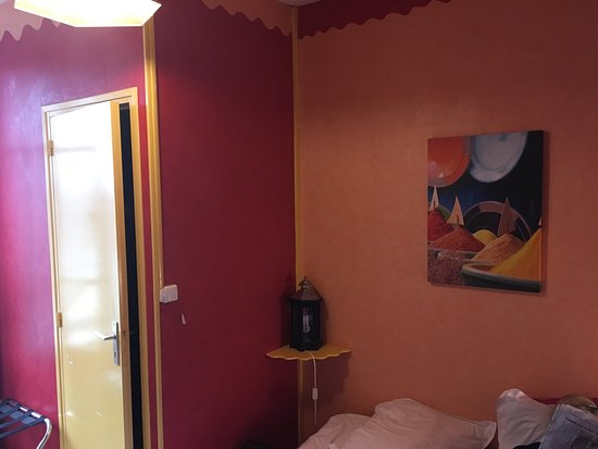 Hotel du Cygne Beauvais: photo1.jpg