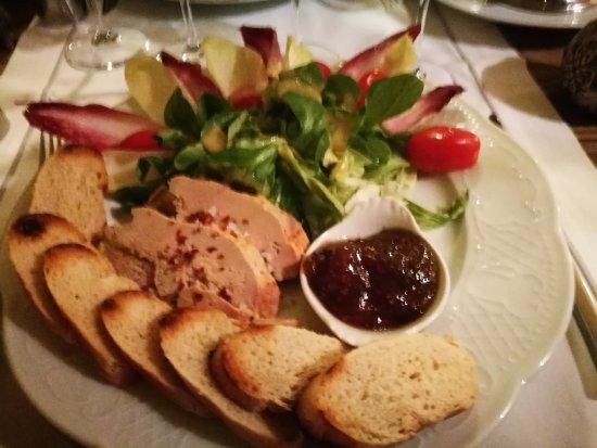 Auriac-du-Perigord, Франция: foie gras 3 tranches en entrée