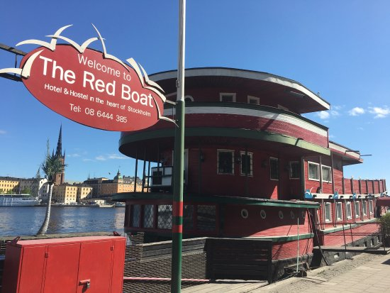 The Red Boat Hotel & Hostel: photo0.jpg