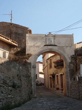 Porta del Borghetto
