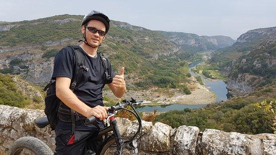 Cabrieres, France: Tour de Fat Bike Électrique dans la réserve de Bio sphère UNESCO des Gorges du Gardon.