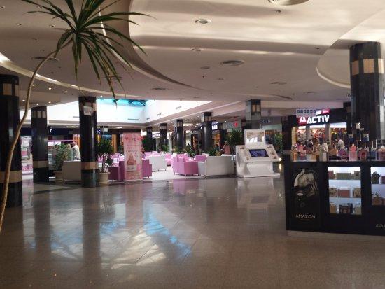ee6edf5c2189e Magasin d accessoires de mode. - Picture of Senzo Mall