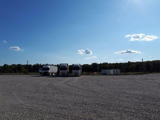 Cotmeana, Rumania: Traffic TIR parking