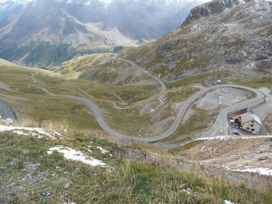 la route sinueuse - Picture of Col du Galibier 7410f0b62