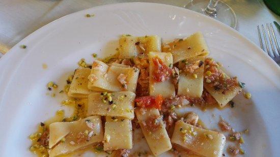 """Fiumefreddo Bruzio, Italia: Fantastica giornata a Fiume freddo ed il pranzo al """"la torretta"""" supeeeeeer"""