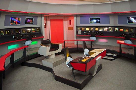 The bridge with new console under construction picture of star trek original series set tour - Star trek online console ...