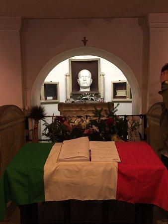 Cripta di Benito Mussolini