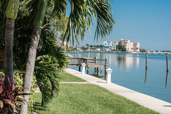 Westwinds Waterfront Resort: Waterfront property