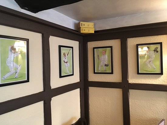 Beaminster, UK: The Greyhound Inn