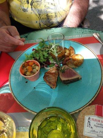 Oppede, Francia: tonijnschotel