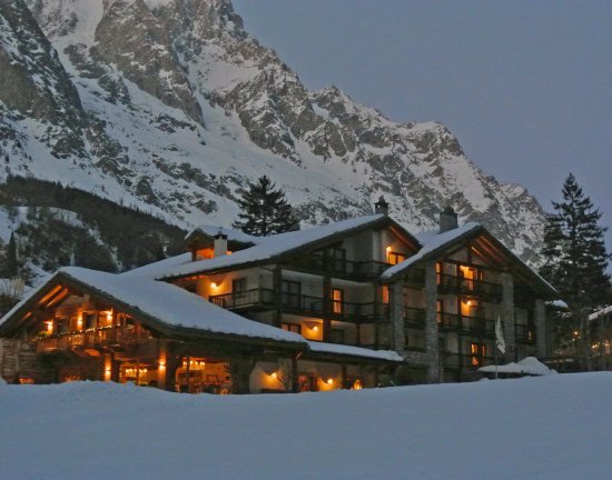 Grand hotel royal e golf updated 2017 prices reviews for Auberge de la maison courmayeur italy