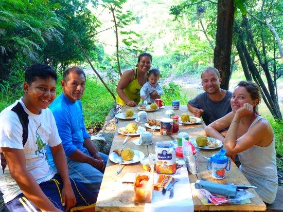 Iquitos Amazon Region, Peru: almorzando en medio de la selva,yanayacu pucate,pacaya samiria.con la empresa ecotur pacaya sami