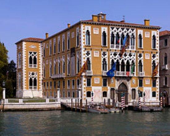 Centro Culturale Don Orione Artigianelli: 260px-Palazzo_Cavalli-Franchetti_WB_large.jpg