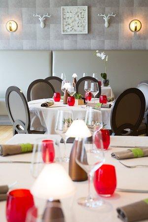 Niderviller, France : Salle principale restaurant