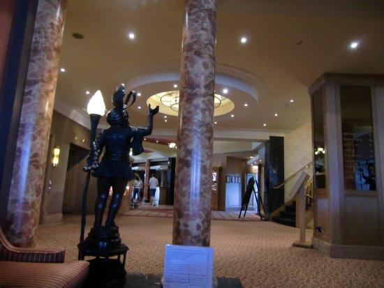 The Grand Hotel: Haal di ingresso
