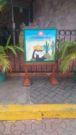 La Cazuela M & J: Isla Mujeres, Messico 2017 - Cartellone Trattoria -Cazuela M & J
