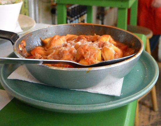 Bistro Pesto: Rabioli de carne y parmesano