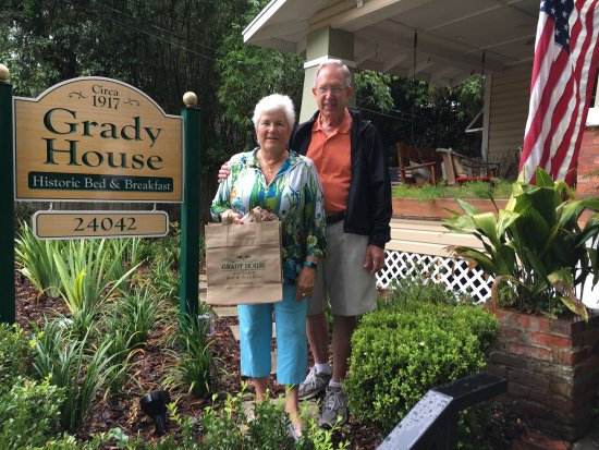 Grady House Bed and Breakfast: Loved Bobbi the Owner's hospitality not to mention  her delicious Breakfast delicacies! We were