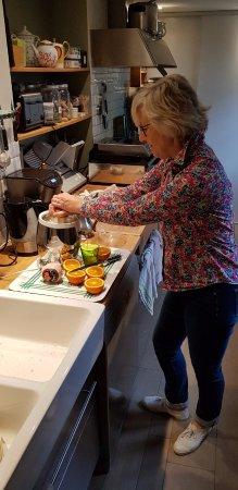 Echinghen, France: Jus de fruits frais pressés par la maitresse de maison