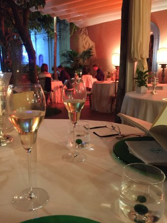 Bom jantar no Terrazza. O atendimento foi perfeito , a refeição ...
