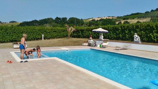 Montalto delle Marche, Italy: la piscina