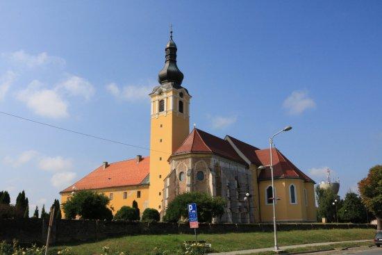 Nasice, Croacia: Das ehemalige Franziskanerkloster,nur wenige Schritte vom Hotel entfernt!