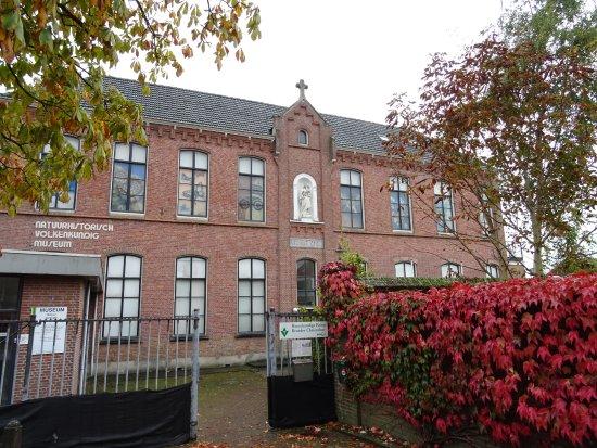 Het Natuurhistorisch en Volkenkundig Museum van Oudenbosch