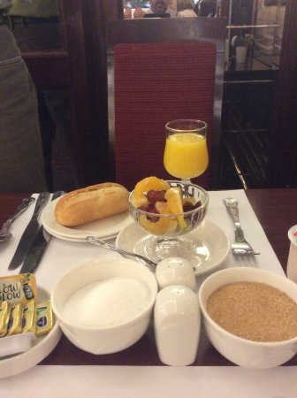 Park House Hotel: Sample of Some of the Items at Breakfast. Yum!!