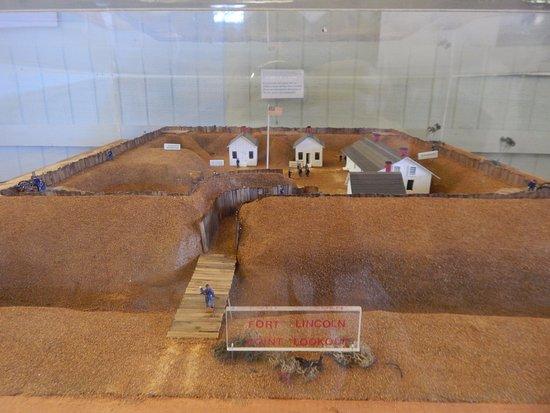 สกอตแลนด, แมรี่แลนด์: fort lincoln exhibit